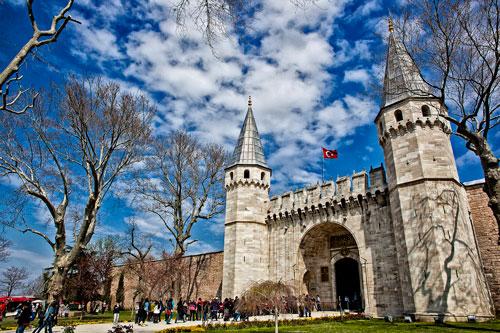 [تصویر:  Topkapi-Palace.jpg]